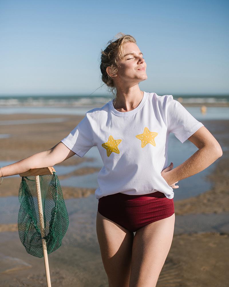 t-shirt femme avec étoiles de mer jaunes