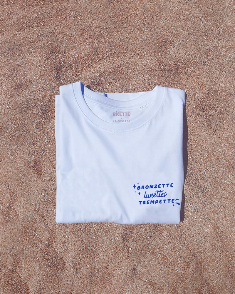 tshirt blanc sur le sable