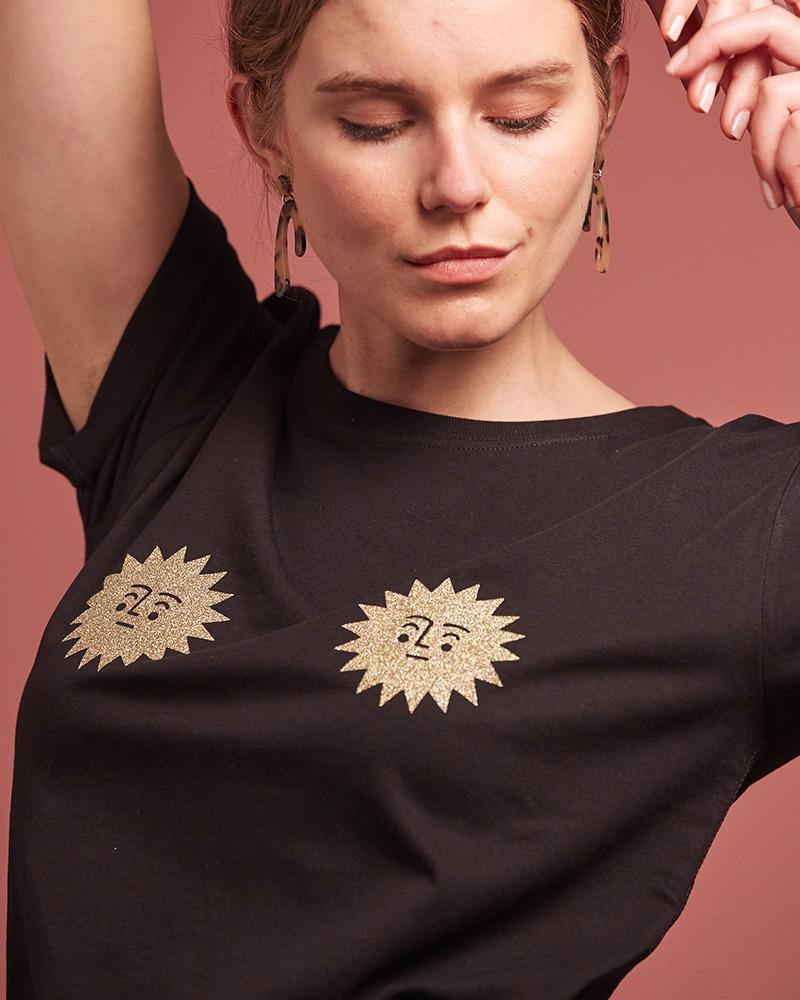 top noir en coton bio avec motifs soleils