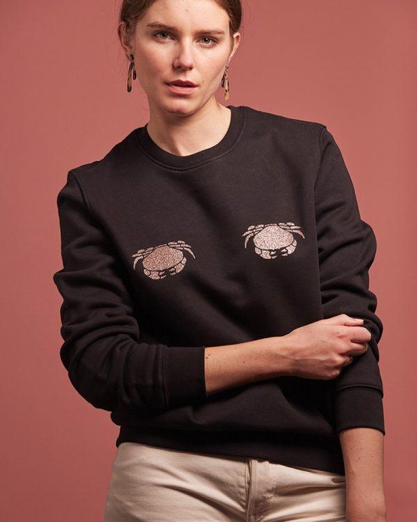 sweatshirt noir avec crabes pailletes